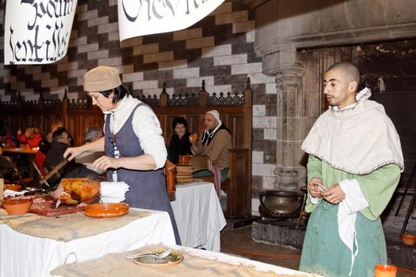 Chillon: le repas médiéval est servi!