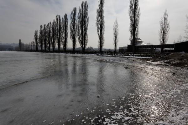Lac couvert de glace Yverdon 1