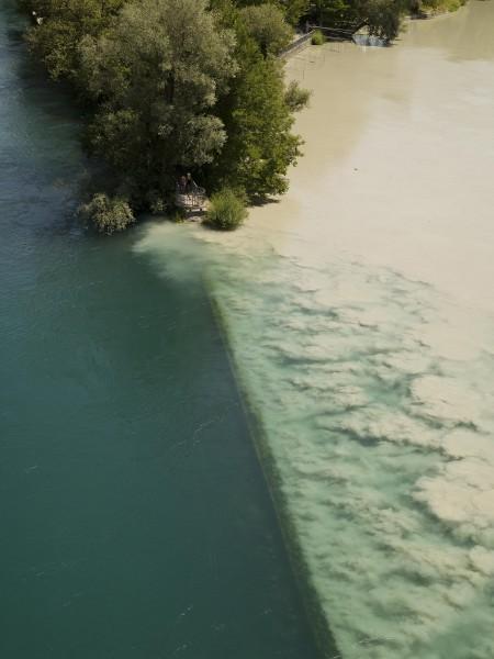 Mélange des eaux du Rhône et de l'Arve