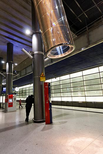 Gare souterraine de Potsdamer Platz à Berlin.